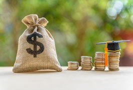 Understand Financial Aid Options to Manage Student Loan Debt